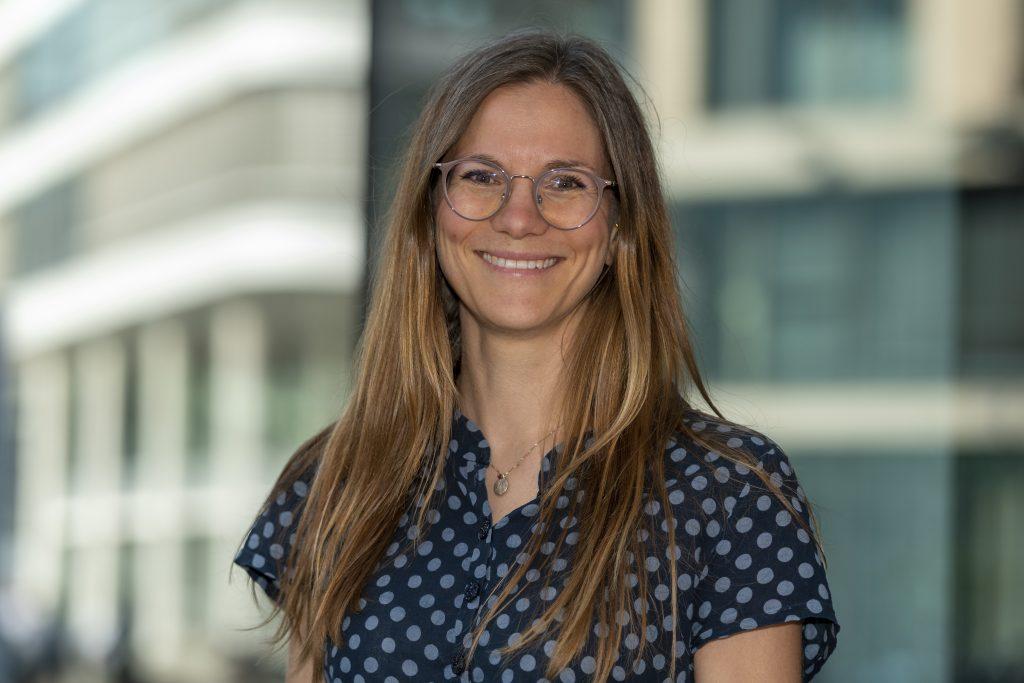 Dr. Julia Thurn